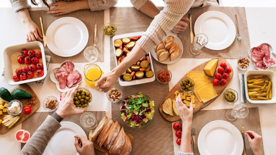 Curious Table talks about To Cook Or Not To Cook: A Rise In Food Delivery