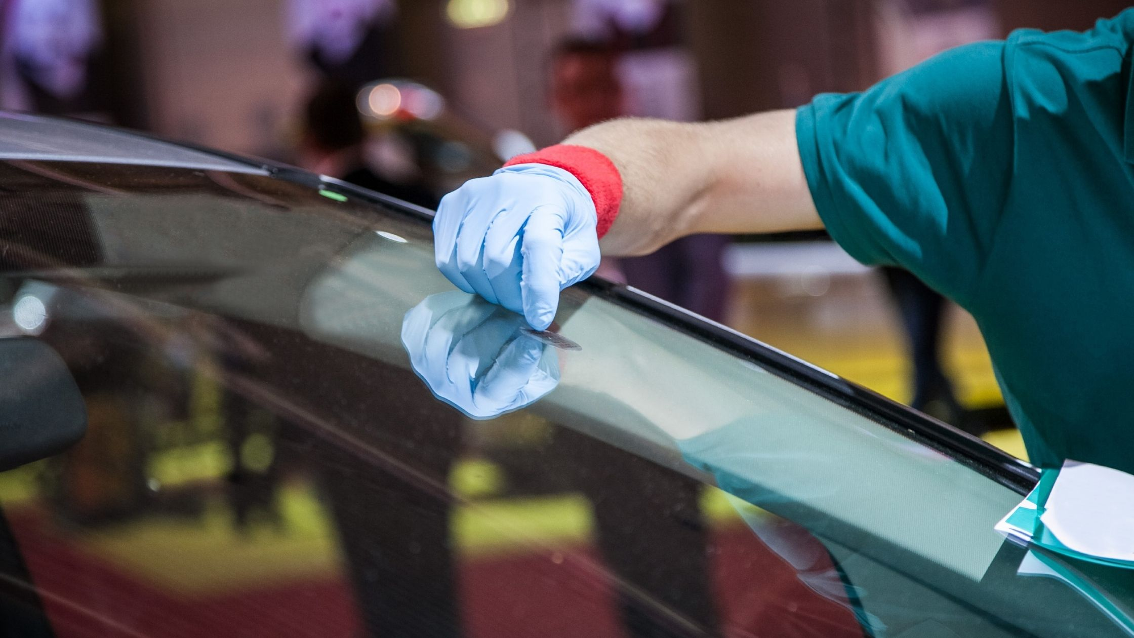 Cheap Ways to Repair a Car Windshield With Windshield Repair Kits